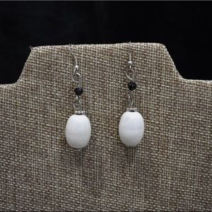 Premier Designs Artzy Black White Earrings